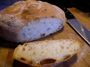 19_crusty_chewy_bread_P1090038