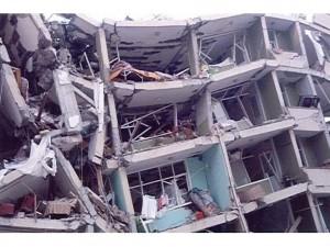 deprem-foto-yikik-bina-somut_net