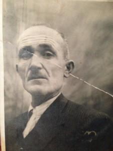 Annemin babası rahmetli Mustafa Erdem