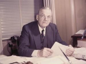 Dönemin ABD Dışişleri Bakanı John Foster Dulles